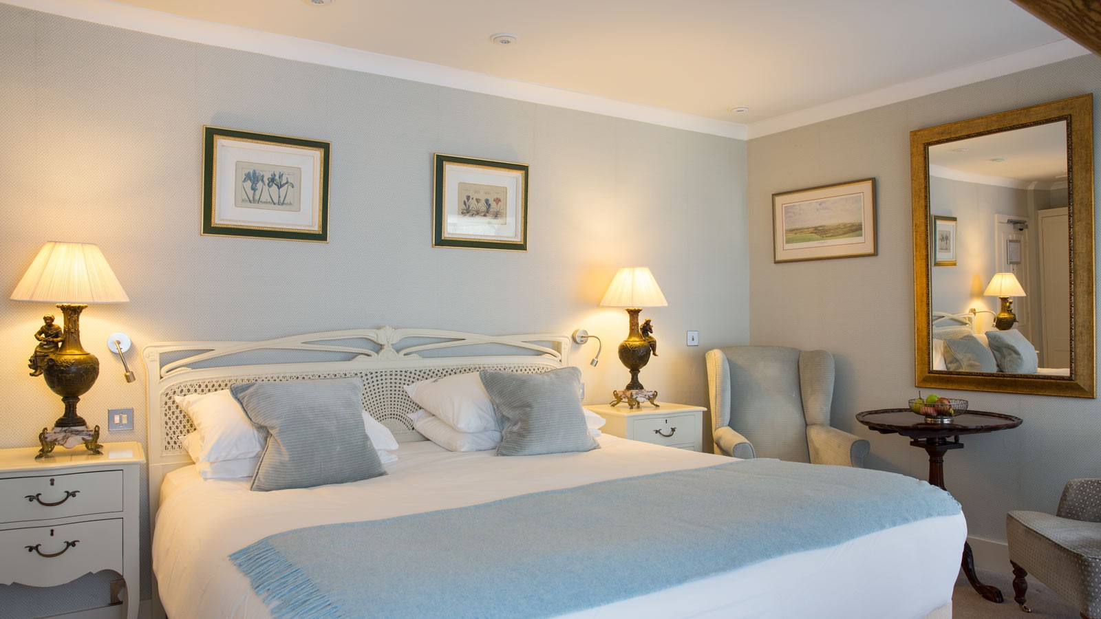 Take a look at our Superior Room here at The Priory Wareham, fitted with a sumptuous super king bed with garden views.